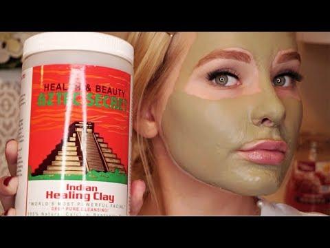 Les masques pour la personne avec le miel des rides profondes