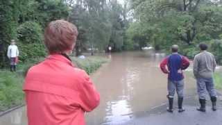 preview picture of video 'Povodeň 2013 - Vrané nad Vltavou'