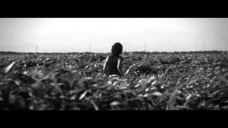 Mas Alto Que Nosotros Solo El Cielo - Enrique Bunbury (Video)