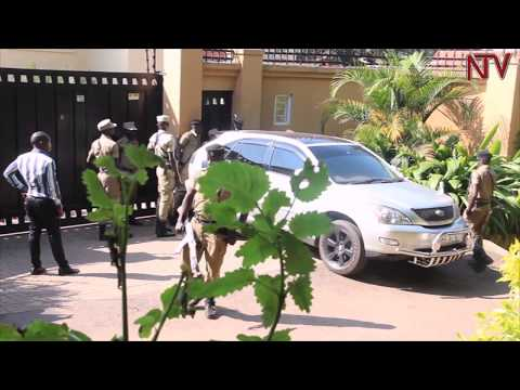 Police confiscates Bryan White's car over debts