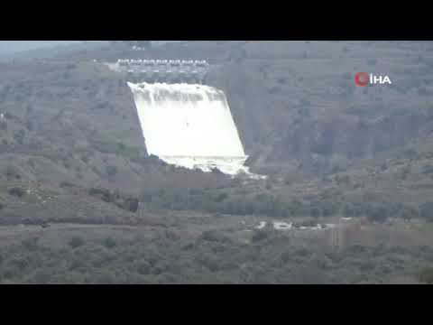 İzmir'de Gülhisar Barajı'nın aşırı yağışlardan dolayı kapağı açıldı