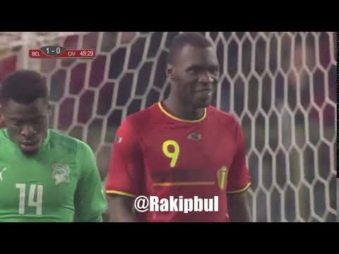 Benteke Nasıl Gol Kaçırır!
