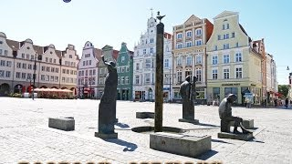 preview picture of video 'New Market Square & Town Hall: City Center—Rostock, Germany'