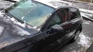 PKW von Schnee und Eis befreien mit Spray Auto frei kratzen KFZ Eiskratzen mit Eiskratzer Anleitung
