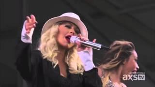 Christina Aguilera - Makes Me Wanna Pray (Live)
