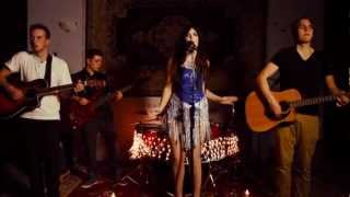 """Diamonds""   Rihanna (Acoustic Cover Feat Chloe Roxx)"