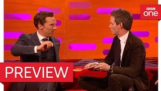 Бенедикт Камбербэтч, Eddie Redmayne shows Benedict Cumberbatch a magic trick - The Graham Norton Show 2016