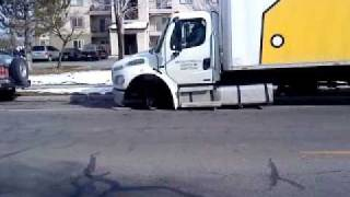 Bestbuy truck in reverse no tire