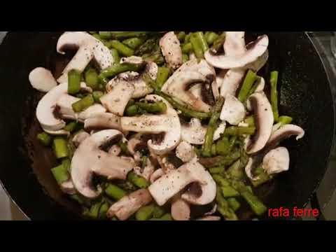 Espárragos con champiñones salteados - Casilla Negra