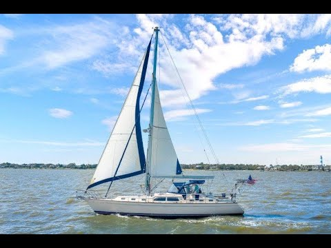 Island Packet 485 video