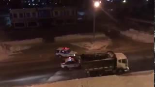 Смотреть онлайн Когда угоняют автомобиль, то останавливай его снежками