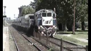 preview picture of video 'GT22 9075 llegando y saliendo de Coronel Brandsen.'