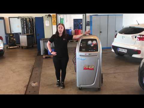 Warum der Geruch des Benzins im Öl des Motors