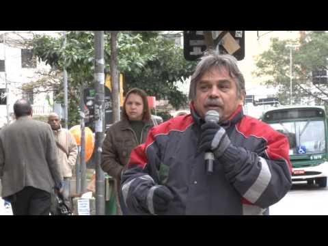 Ato público em SP exige fim de assédio de diretor do Santander