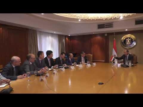 اللقاء الموسع الذي عقده الوزير /عمرو نصار مع وفد شركة SAIC الصينية