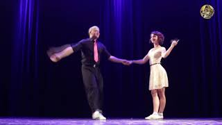 РАДОВАТЬСЯ ЖИЗНИ - поёт Анне Вески - танец Thomas Audon & Sophie Allaf - чемпионы мира по буги-вуги