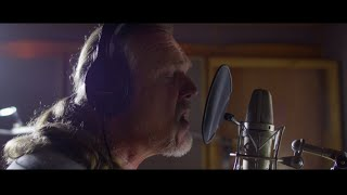 Trace Adkins - I'll Be Home For Christmas (Official Video)