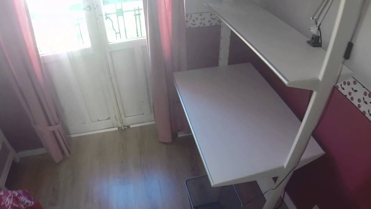 Inviting room with desk in shared apartment, Argüelles