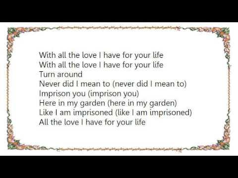 Fleetwood Mac - Running Through the Garden Lyrics