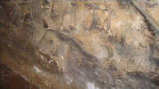 preview picture of video 'Reigate Castle Grounds and Barons' Cave'
