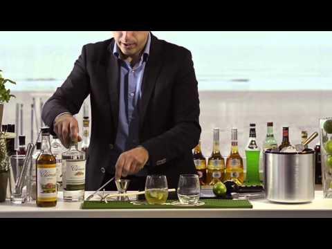 Cocktail Ti-punch maken.