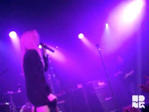 Sky Ferreira - 17 (Live at MTV CK One Party - São Paulo)