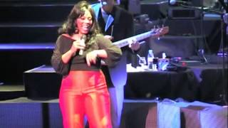 DONNA SUMMER SHE WORKS HARD FOR THE MONEY LIVE 2009