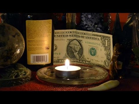 Заговоры на деньги и удачу в домашних условиях