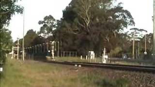 preview picture of video '31.10.09 7SA8, 3128, 2533 at Mittagong'