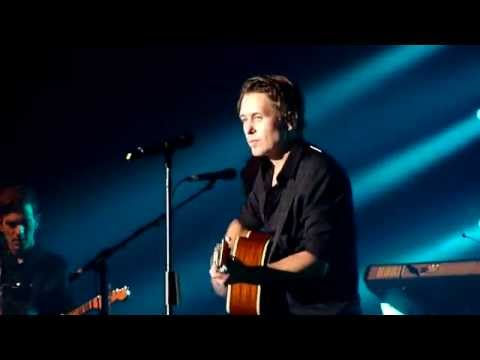 HD - Take That (Mark Owen) - Four Minute Warning (right - live) @ Gasometer, Vienna 2015 Austria