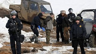 Dakota Access Pipeline: arrests made as deadline to leave camp passes