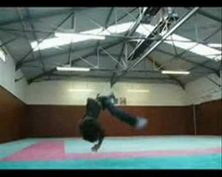 Wymiatacze breakdance