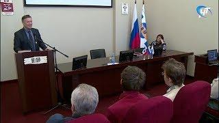 Писатель-историк Виктор Смирнов прочел лекцию «Новгородская цивилизация»