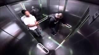 Когда приспичило в лифте