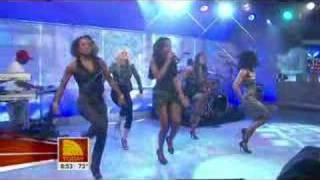 """Like This"" Performance // kelly-rowland.net"