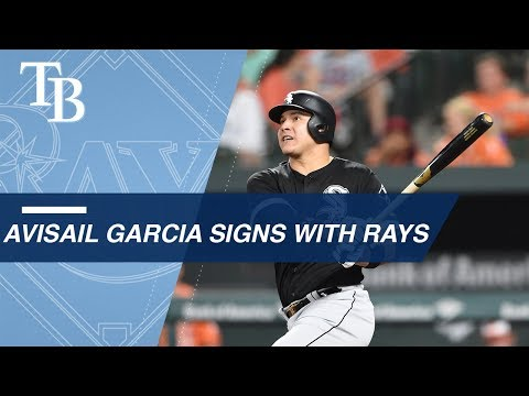 Avisail Garcia signs with Rays
