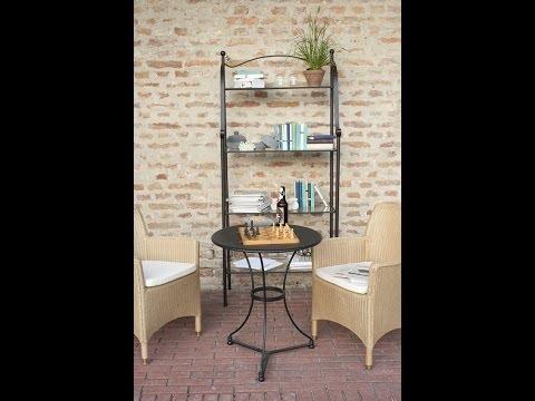 Einrichtungsidee im mediterranen Landhausstil - offenes Eisenregal Möbel | VARIA LIVING