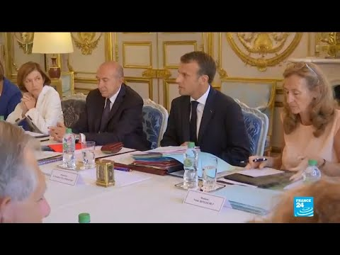 Macron focuses on reforms in his first cabinet meeting after holidays