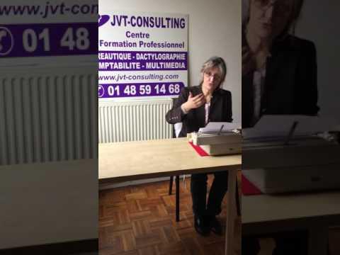 dactylographie sur machine à écrire. JVT