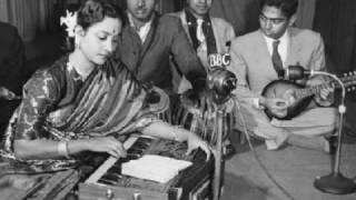 Geeta Dutt : Hindi song in a Bengali film - YouTube