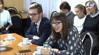 Две сотни новгородских волонтеров отправились в Москву на концерт, посвященный году добровольца