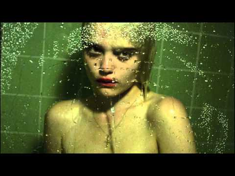 Sky Ferreira - Ain't Your Right (w/ Lyrics)