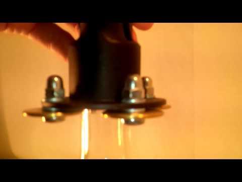 Jak uzavřít láhev s olejovou zpomalovací vložkou a plechovým uzávěrem pp31,5 s pojistným kroužkem za pomocí speciálních kleští
