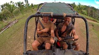 Смотреть онлайн Покатушки на багги по бездорожью в грязи