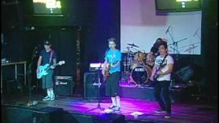 Presentación de 2contra1 desde el Latino Rock