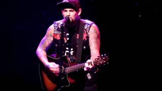 <b>Benji Madden</b> Good Charlotte  Beautiful Place Live 07/08/2011