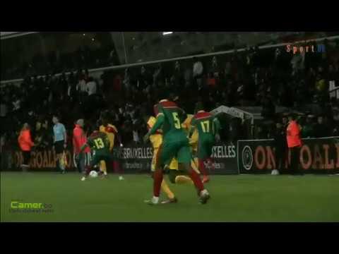 Séquence de jeu lors du match Cameroun - Guinée à Bruxelles