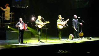 The High Kings - Young Voices LG Arena, Step It Out Mary, Fields of Athenry 1 Dec 2011