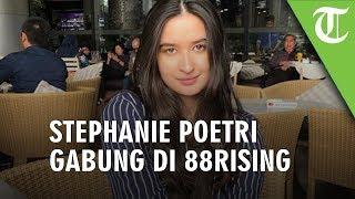 Melejit Lewat Lagu I Love You 3000, Stephanie Poetri Gabung dengan Label yang Sama dengan Rich Brian