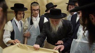 Rare Footage - Satmar Rebbe - Beirach Moshe | סרט נדיר - בעל ברך משה מסאטמאר - ימי פסח